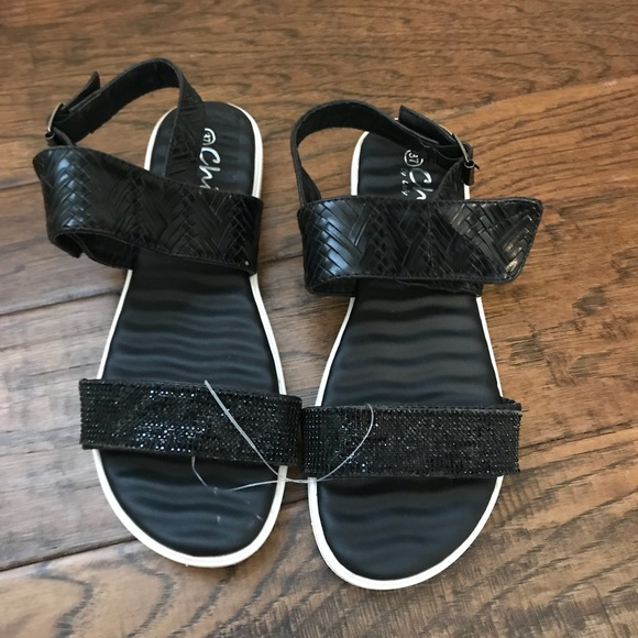 By Coture ShoesNwt Black Strap Bottom White Chic Lady Sandals HDW29EI